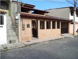 Casas à venda em José de Anchieta